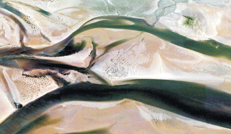 Estuary channel bar flood and ebb tide complexes