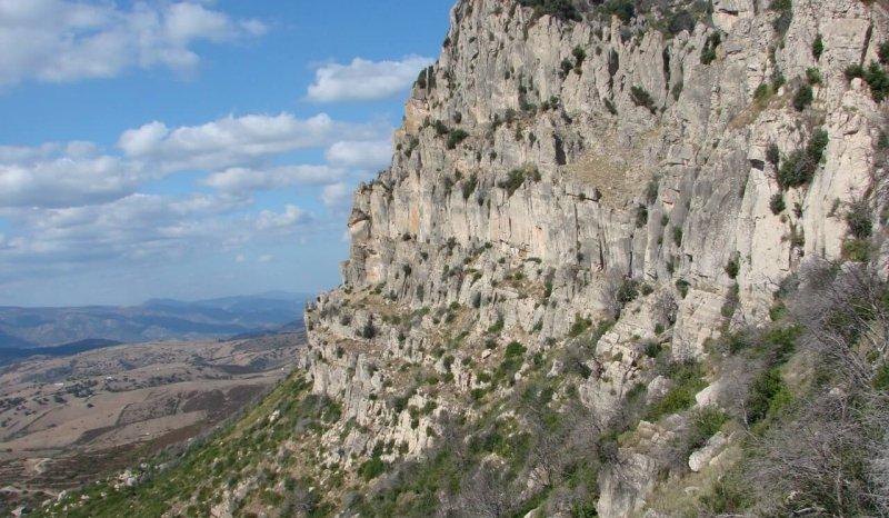 Middle Jurassic dolomites overlying the Variscan basement; Supramonte, eastern Sardinia