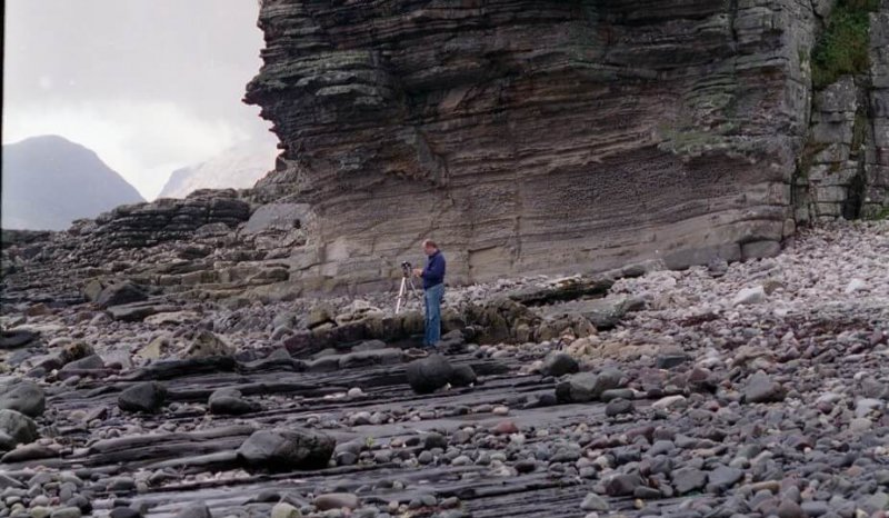 Deltaic sequence coarsening up from Cullaidh oil shales to delta front sands of the Elgol Formation, Isle of Skye